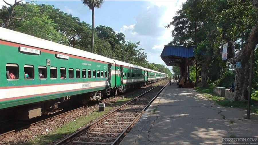 Dhaka to Khulna train Sundarban Express.