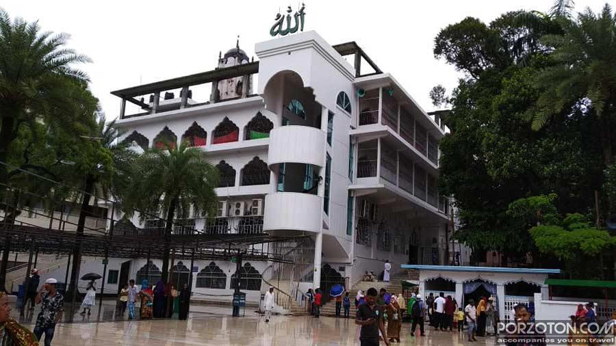 Shahjalal Mazar Mosque adjacent to the tomb.