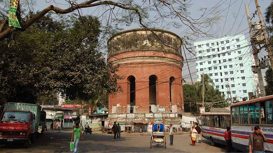 1st water tank in Dhaka, near Bahadur Shah Park.