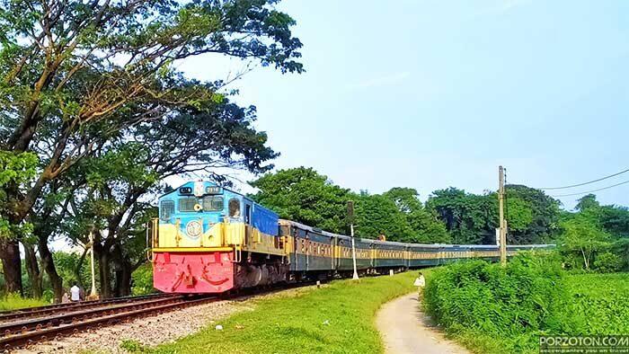 Jayantika Express intercity train.