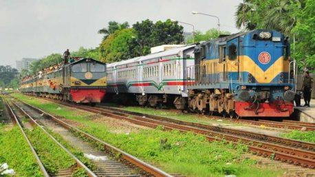 Dhaka to Kishoreganj train Egarosindhur Provati.